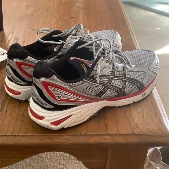 ASICS size 12 running shoe